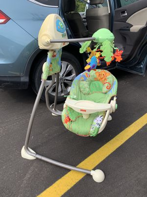 Baby Swing $20 or best offer! for Sale in Saint Paul, MN
