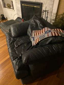 Leather couches - black for Sale in Willow Grove,  PA