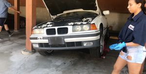 Bmw 325i 1995 PARTS TODAY ONLY for Sale in Buena Park, CA