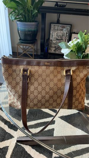 Authentic used Gucci bag for Sale in Las Vegas, NV