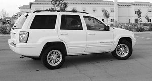 Automatic O4 Jeep SUV Grand Cherokee 4WDWheels for Sale in Athens, WV