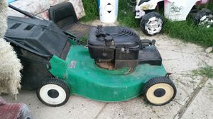 Briggs and stratosphere lawn mower for Sale in Glendale, AZ