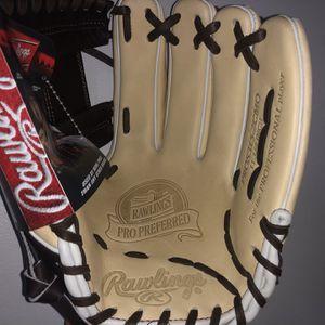 Baseball Glove Equipment Rawling Pro Preferred for Sale in Beltsville, MD