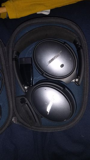 Bose QuietComfort 25 Noise cancelling headphones +sony smart Bluetooth for Sale in Columbus, OH