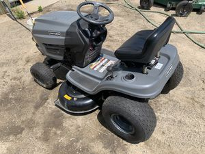 Craftsman T1000 Lawn Tractor Mower for Sale in Burlington, MA