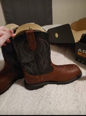 Ariat composite toe work boots for Sale in Fenton, MO