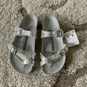 New in Box Birkenstock Mayari Birko Flor 36 37 for Sale in MONTGOMRY VLG, MD