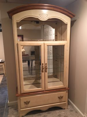 Hutch/display cabinet for Sale in Wexford, PA