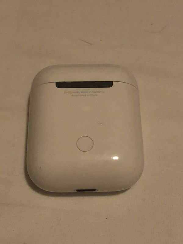 Apple air pod and charger case
