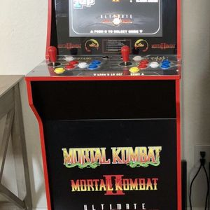 Mortal Kombat Arcad 1up with Riser for Sale in Clovis, CA