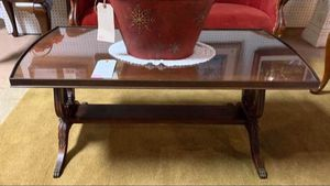 Antique Mahogany Coffee Table w Unique Handcarved Details - Glass Top & Claw Feet for Sale in Lehighton, PA