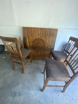 Free Table for pick up for Sale in Spring Valley, CA
