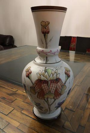 Flower vase for Sale in Alexandria, VA