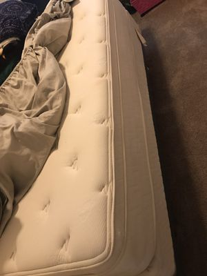 Therapeutic king mattress and box springs for Sale in Vancouver, WA