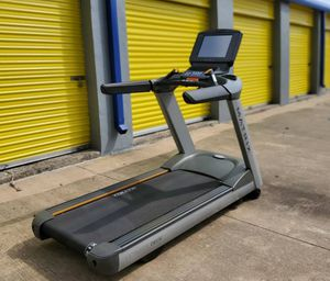 sk/Matrix T7XE Treadmill for Sale in Wenatchee, WA