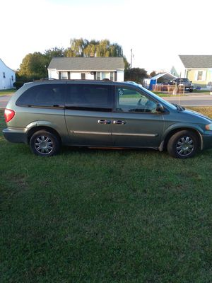 Mini Van. 2006 Chrysler Town and Country for Sale in Richmond, VA