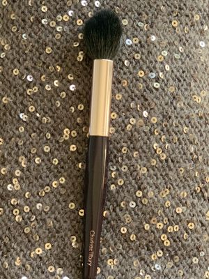 Charlotte Tilbury Powder and Sculpt makeup brush for Sale in Federal Way, WA