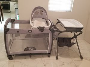 Graco play all in one for Sale in Colton, CA