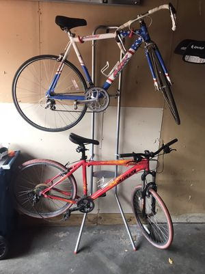 2 bikes and stand for Sale in Minneapolis, MN