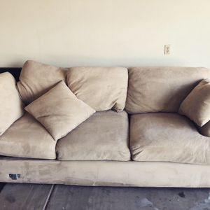 Clean comfy couches for Sale in Gilbert, AZ