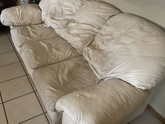 leather sofa couch for Sale in Phoenix,  AZ