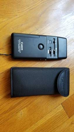 Canon LC-5 Wireless Controller Receiver Only with Bracket and Cases-$250 for Sale in Los Angeles, CA