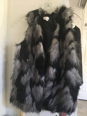 Faux Fur Vest for Sale in Pomona, CA