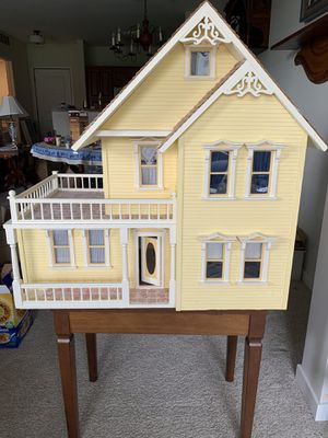 Custom made doll house w bench. for Sale in Apple Valley, MN