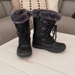 Kids Size 3 Snow Boots for Sale in Federal Way,  WA