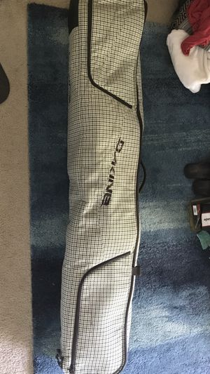 Dakine Low Roller Snowboard Bag w/ rollers for Sale in Redondo Beach, CA