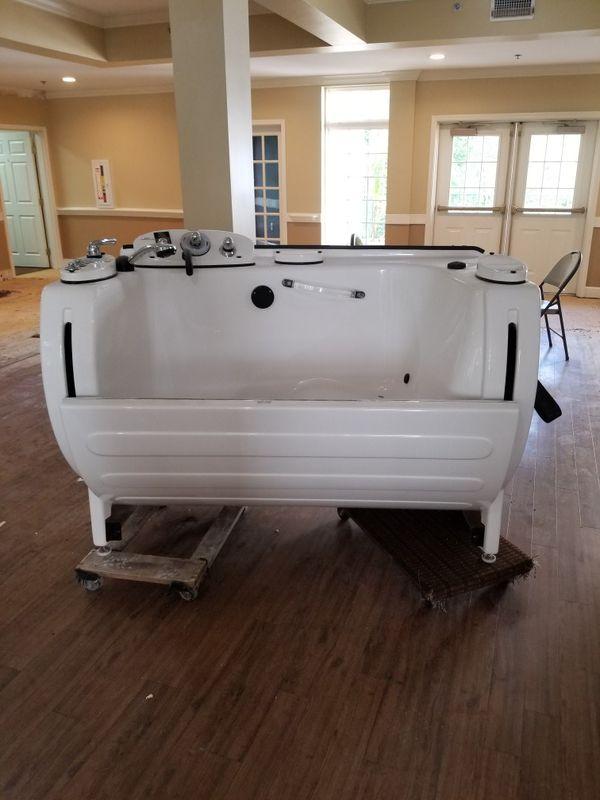 Mastercare hot tub and massage spa