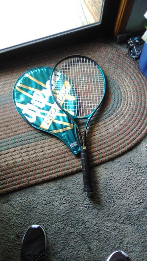 WILSON PRO STAR OVERSIZE TENNIS RACKET IN VERY GOOD CONDITION for Sale in Tacoma, WA
