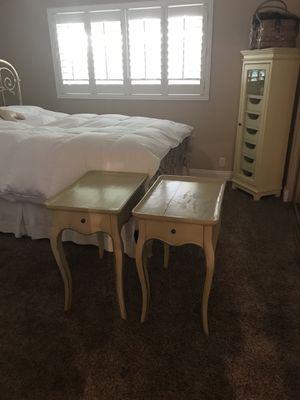 Antique set. 100$ end tables and dresser. No tv. for Sale in Orangevale, CA