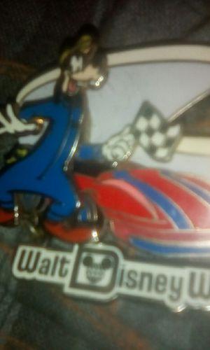 Walt Disney trading pin z for Sale in Louisville, KY