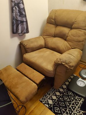 Recliner chair for Sale in Addison, IL