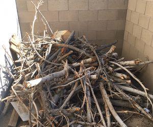 Firewood/ Leña FREE for Sale in Yuma, AZ