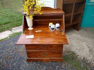 Secretary desk for Sale in Mount Sterling, OH