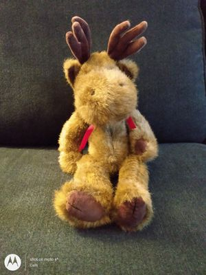 Vintage The Boyds Collection, Ltd. J.B. Bean Series 1985-1994 Jointed Moose wearing red 🎀 ribbon for Sale in Belleville, MI