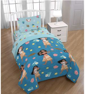 Disney Princess Moana Twin Sized Comforter Bedding Set for Sale in Compton, CA