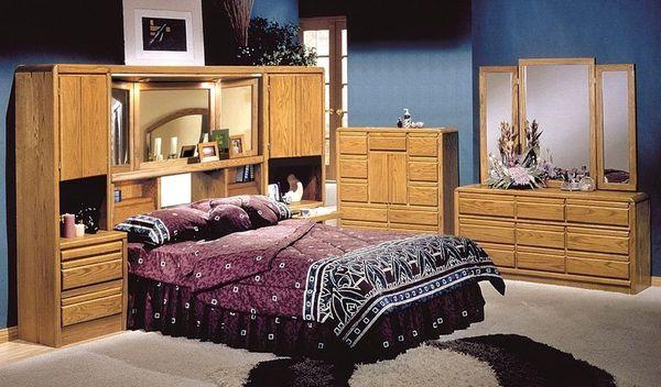 King or California King Bed Set Light Oak Finish