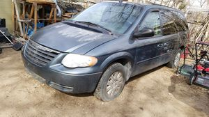 2005 TOWN & COUNTRY MINI VAN for Sale in Colorado Springs, CO