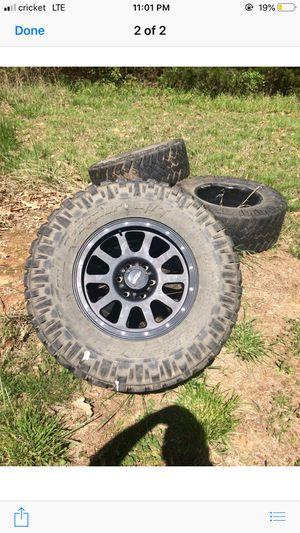 Good tires 1 rim is cracked for Sale in La Vergne, TN