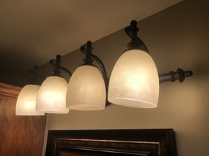 Light fixture (bathroom) for Sale in Wichita, KS