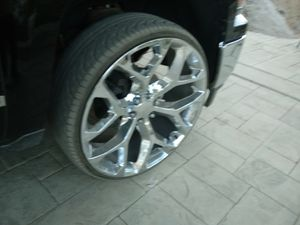 """26"""" rims and tires for Sale in Hemet, CA"""