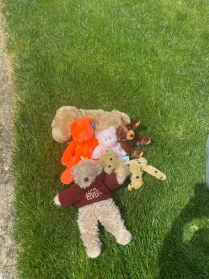 Free stuffed animals for Sale in Ontario, CA