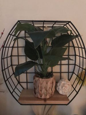 Metal Plant Stand for Sale in Garden Grove, CA