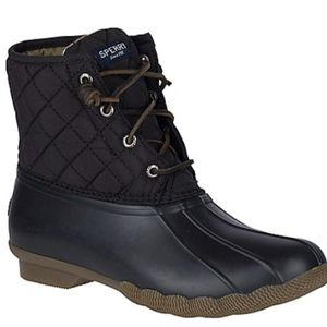 Women's Saltwater Quilted Duck Boot SIZE 8 women's BLACK for Sale in Sacramento, CA