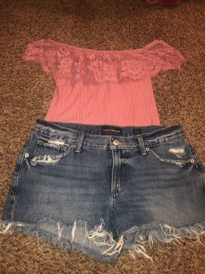 Lucky brand size 4 /27 and top size large for Sale in Visalia, CA
