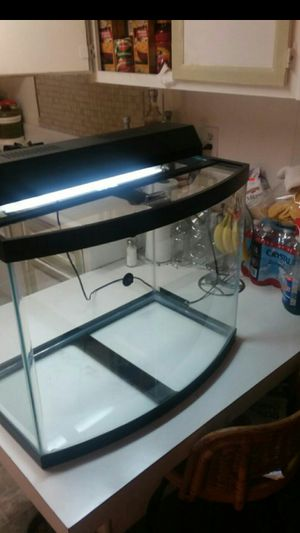 Fish tank lights work no leaks 24gallon for Sale in Glendora, CA