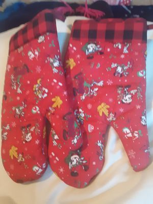 Disney Mickey and friends Christmas Yuletide kitchen oven Gloves/pot holders for Sale in Rialto, CA